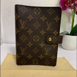 Louis Vuitton Agenda MM size